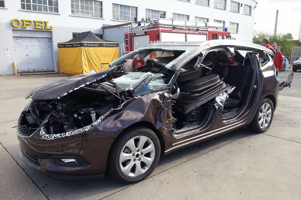 Seminar Technische Hilfeleistung PKW bei der Adam Opel AG