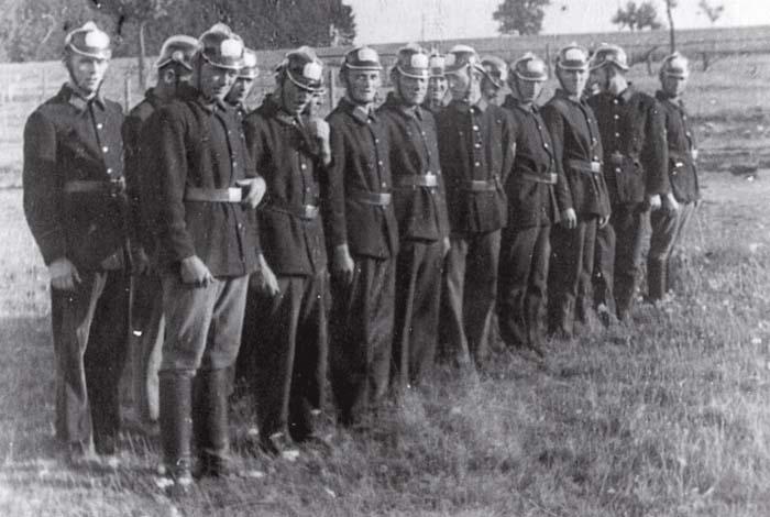 Spritzen- und Hydrantenmannschaft der FFW Kemel (1934)