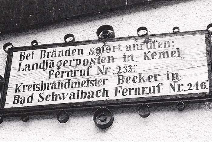 Hinweisschild am alten Kemeler Rathaus