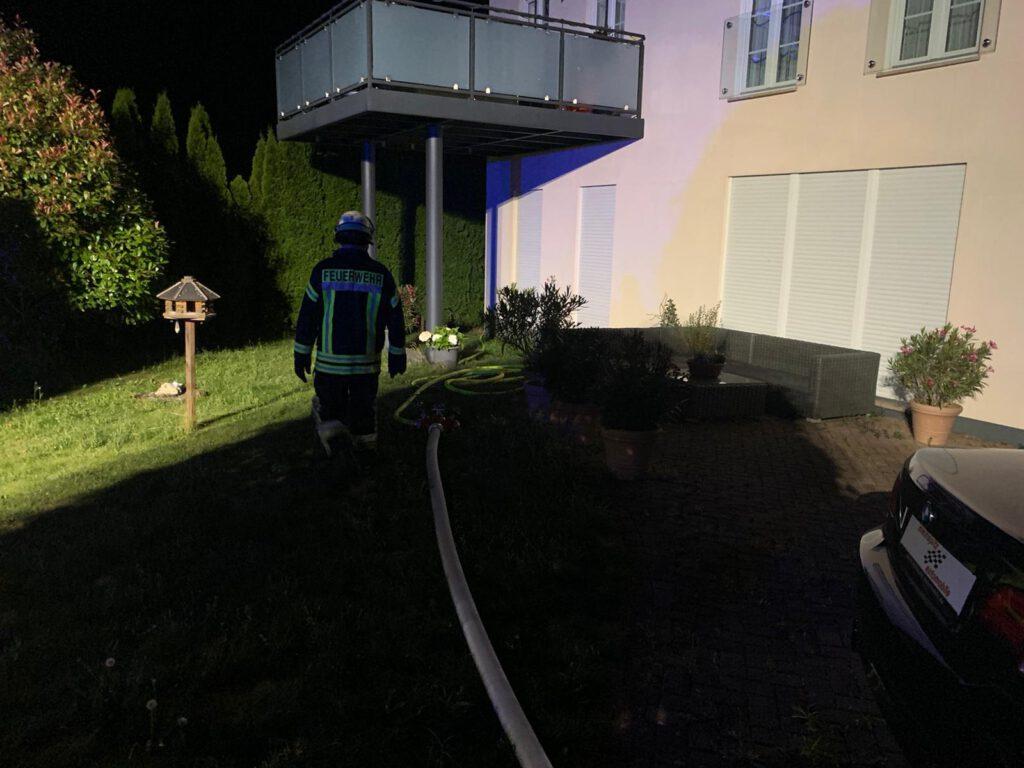 Brennender Grünschnitt im Garten