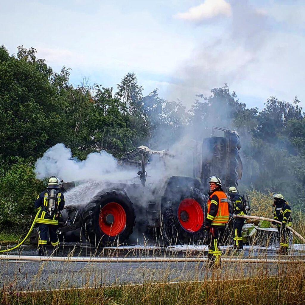 Brennender Traktor
